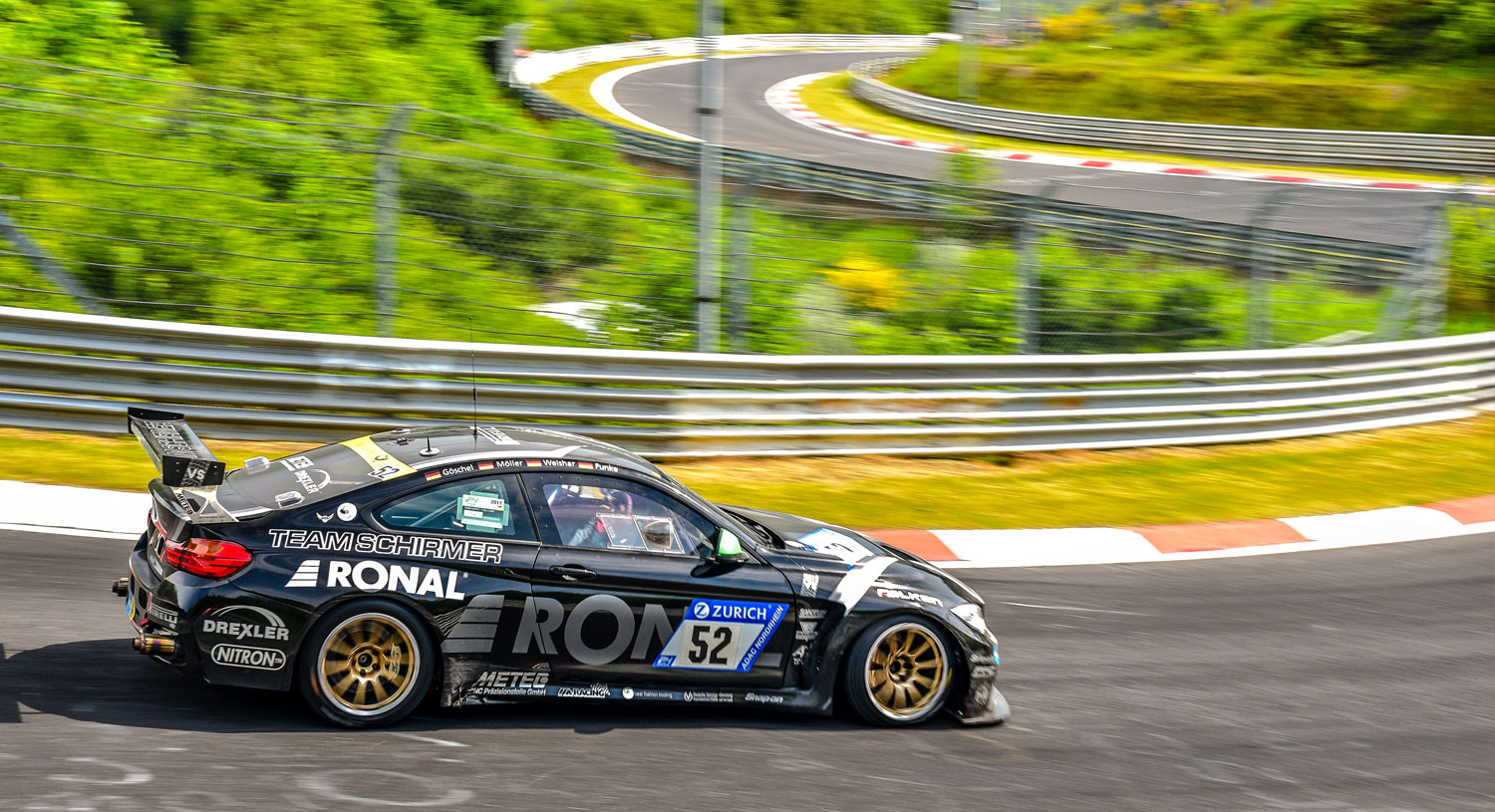 The BMW M4 Schirmer GT Race Car can only be used on Apex Nürburg taxi laps days.