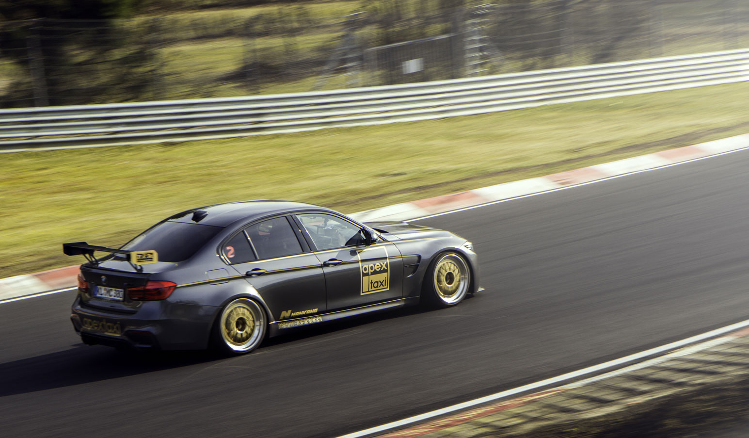 Racing at the Nürburg Ring with rental cars from Apex